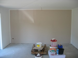 farbige Wohnzimmerwand